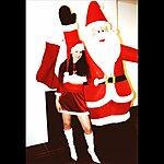 Anados Santa's On His Way To Town (Single)